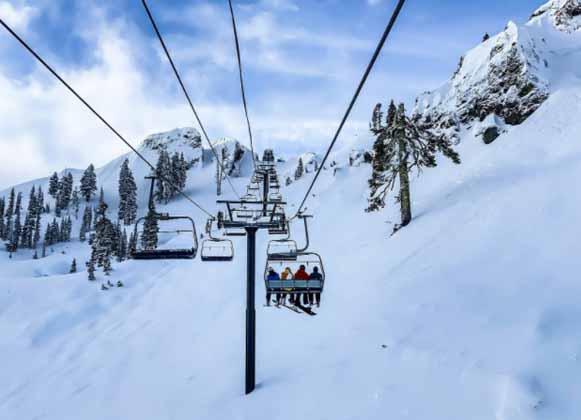 A ski lift system